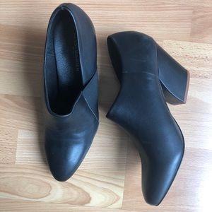 Kelsi Dagger Brooklyn🔼 NWOB black leather booties